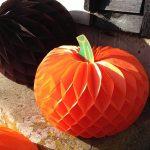 Сделать тыкву на хэллоуин из бумаги – Тыква из бумаги своими руками на Хэллоуин: идеи для творчества